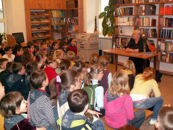 Rozwesołki Spotkanie Z Joanną Papuzińską Biblioteka